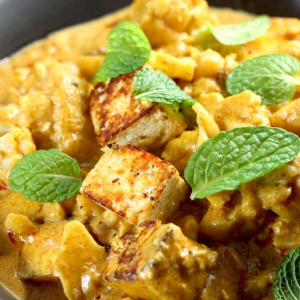 Keto Vegetarian Curry with Paneer and Cauliflower