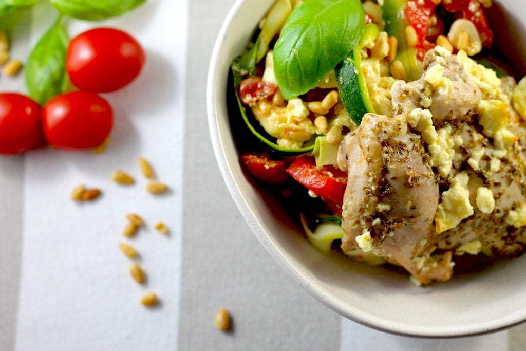keto basil pasta, keto zoodles, keto basil and capsicum salad, keto chicken thigh recipe