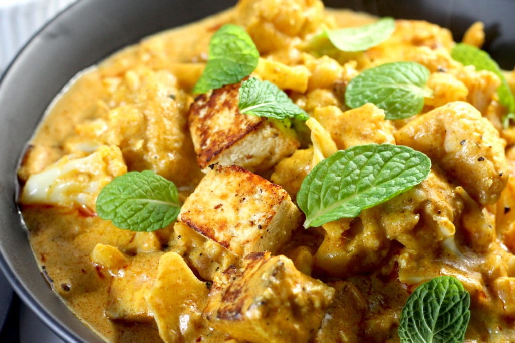 Keto Vegetarian Curry with Paneer  by  Aussie Keto Queen. This delicious vegetarian curry will have even the most avid meat eaters asking for more. With a rich creamy sauce and the beautiful tender fried paneer, this is to die for! Serve with cauliflower rice, greek yoghurt and fresh mint or coriander.