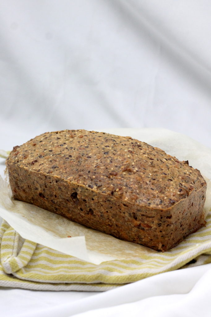 Keto Seed Bread is the perfect Keto lunch or snack. Loaded with nutrients and super easy to make, it will become a regular in your keto diet. #keto #aussieketoqueen #ketolunches #ketolunch