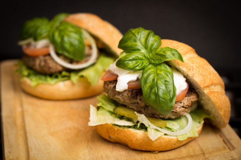 A traditional hamburger with a bun, but who needs the bun really? All the flavour is in the filling, so why not try a Naked Burger for your low carb and keto dinner.